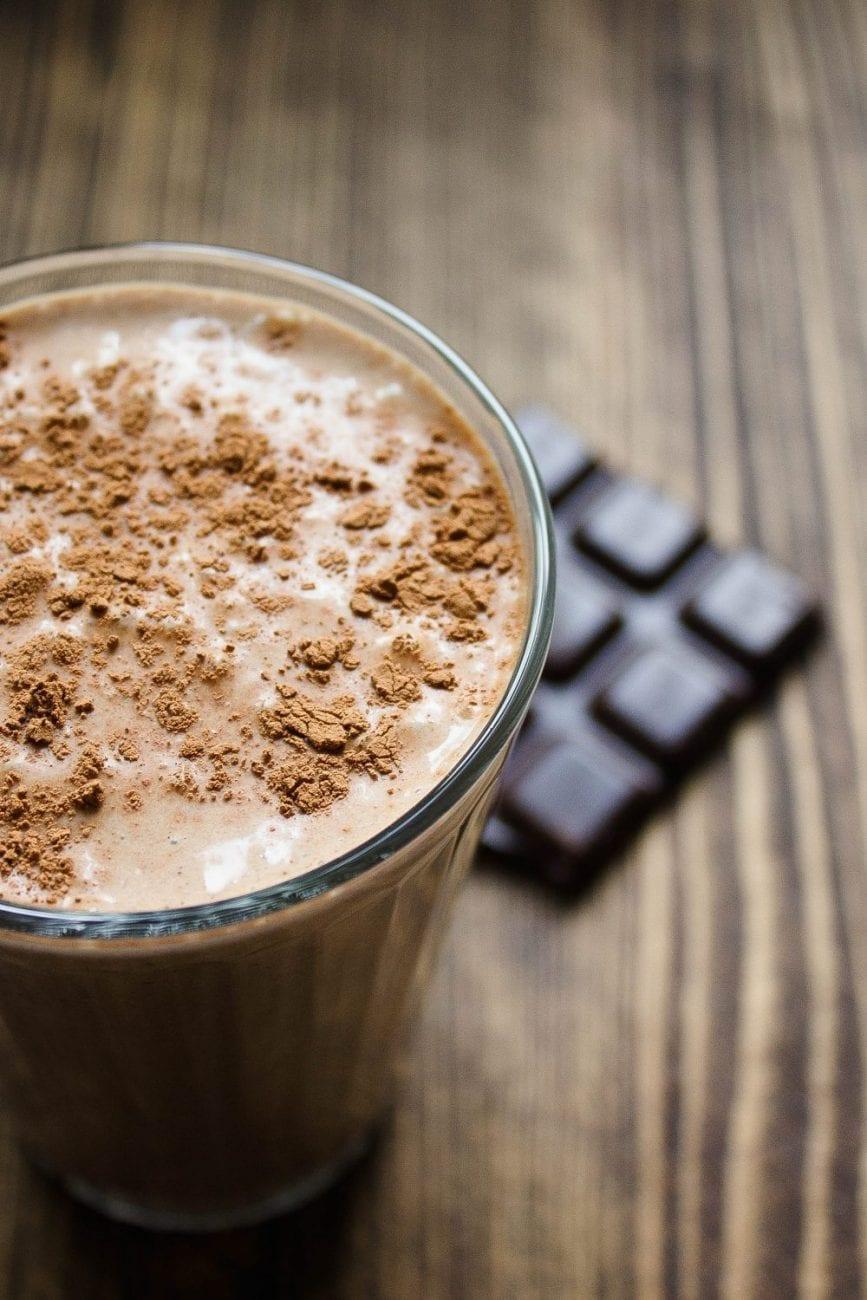Koktajl czekoladowy z masłem orzechowym