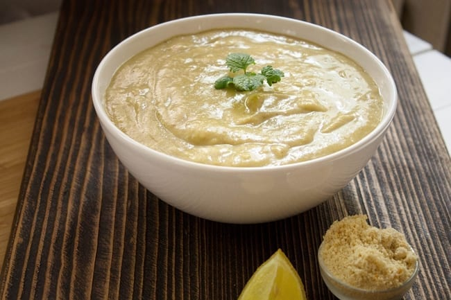 Zupa czosnkowa na chlebie