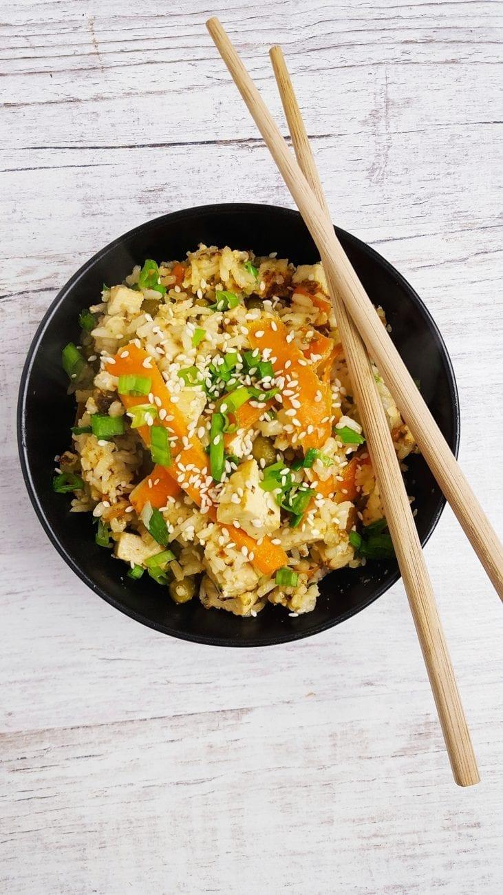 Ryż z orzechowym tofu