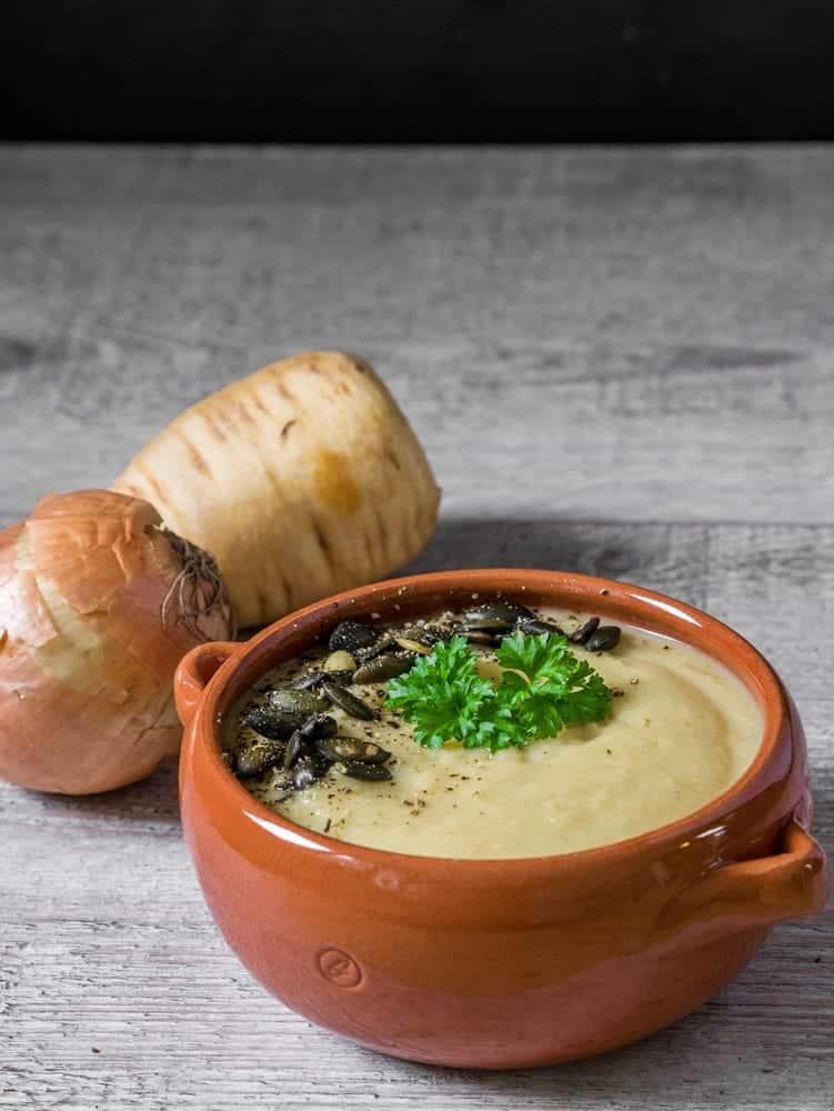 Zupa krem z selera i pasternaku