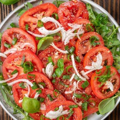 Surówka z pomidora i cebuli