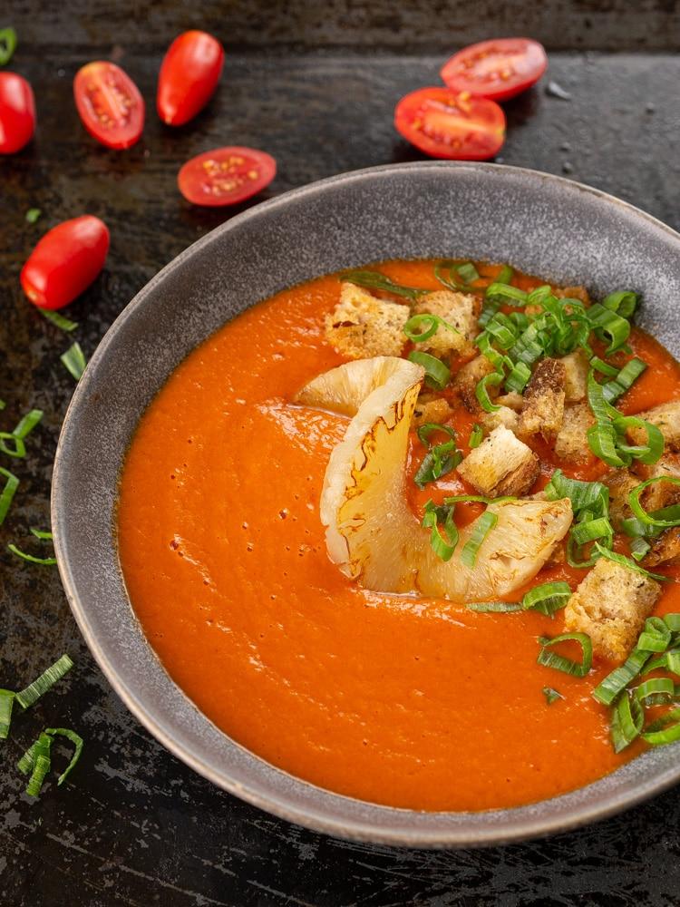 Zupa krem pomidorowa z ananasem