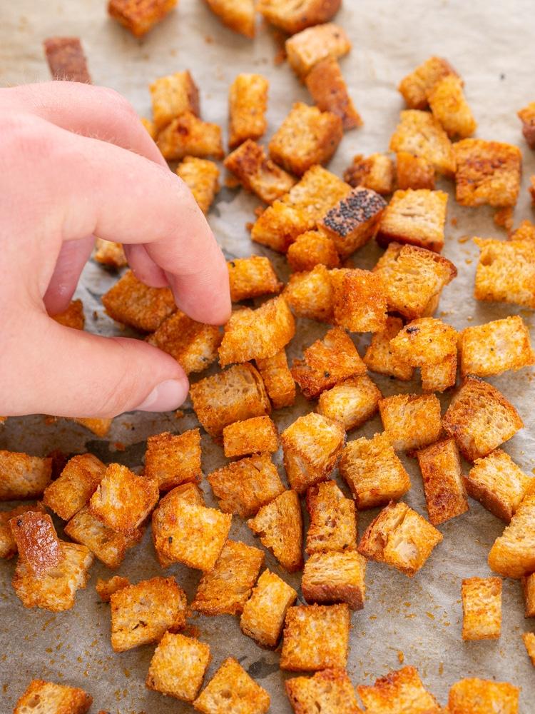 Jak zrobić grzanki do zupy krem?