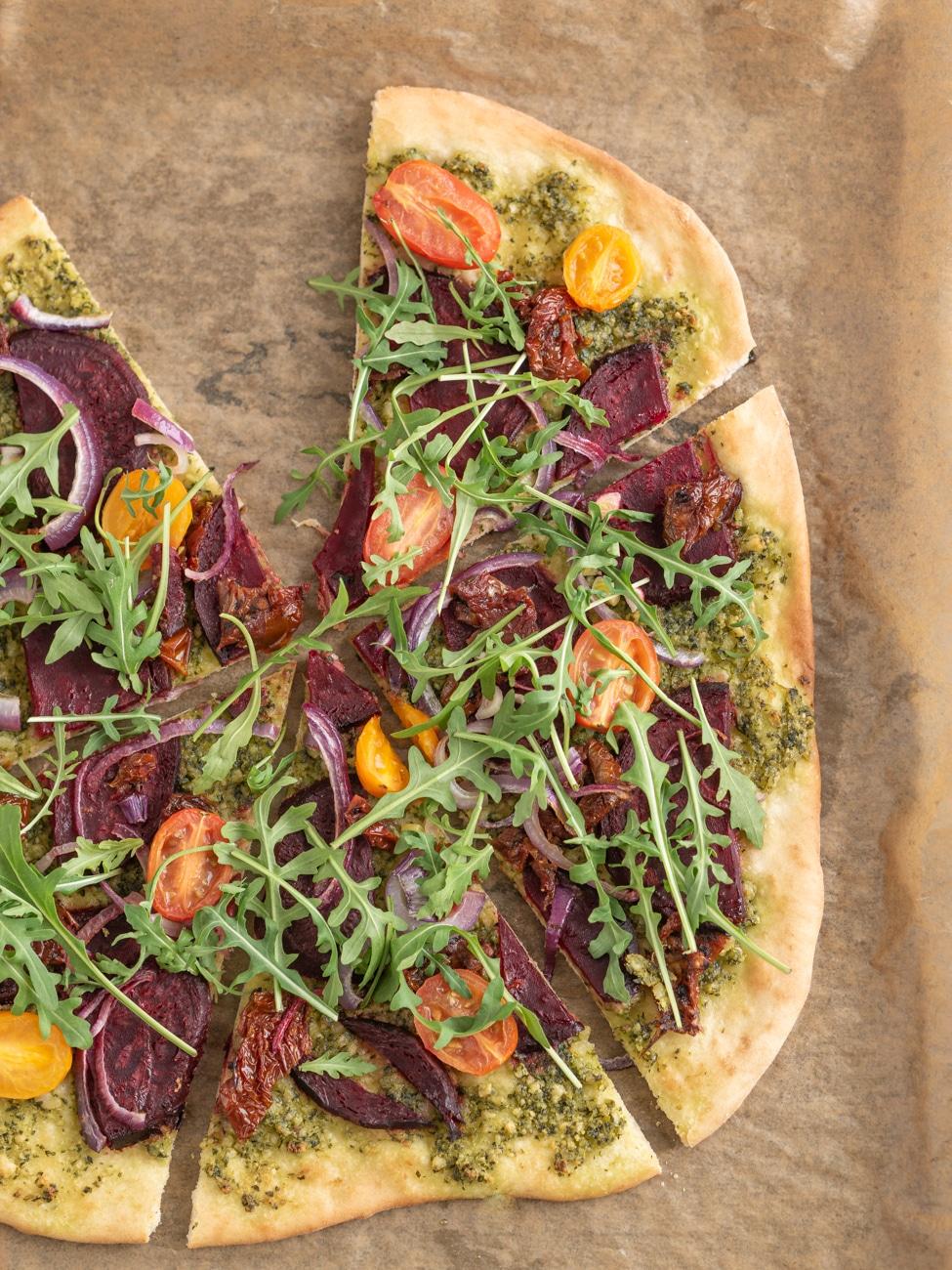 Przepis na Pizze z burakiem i rukolą