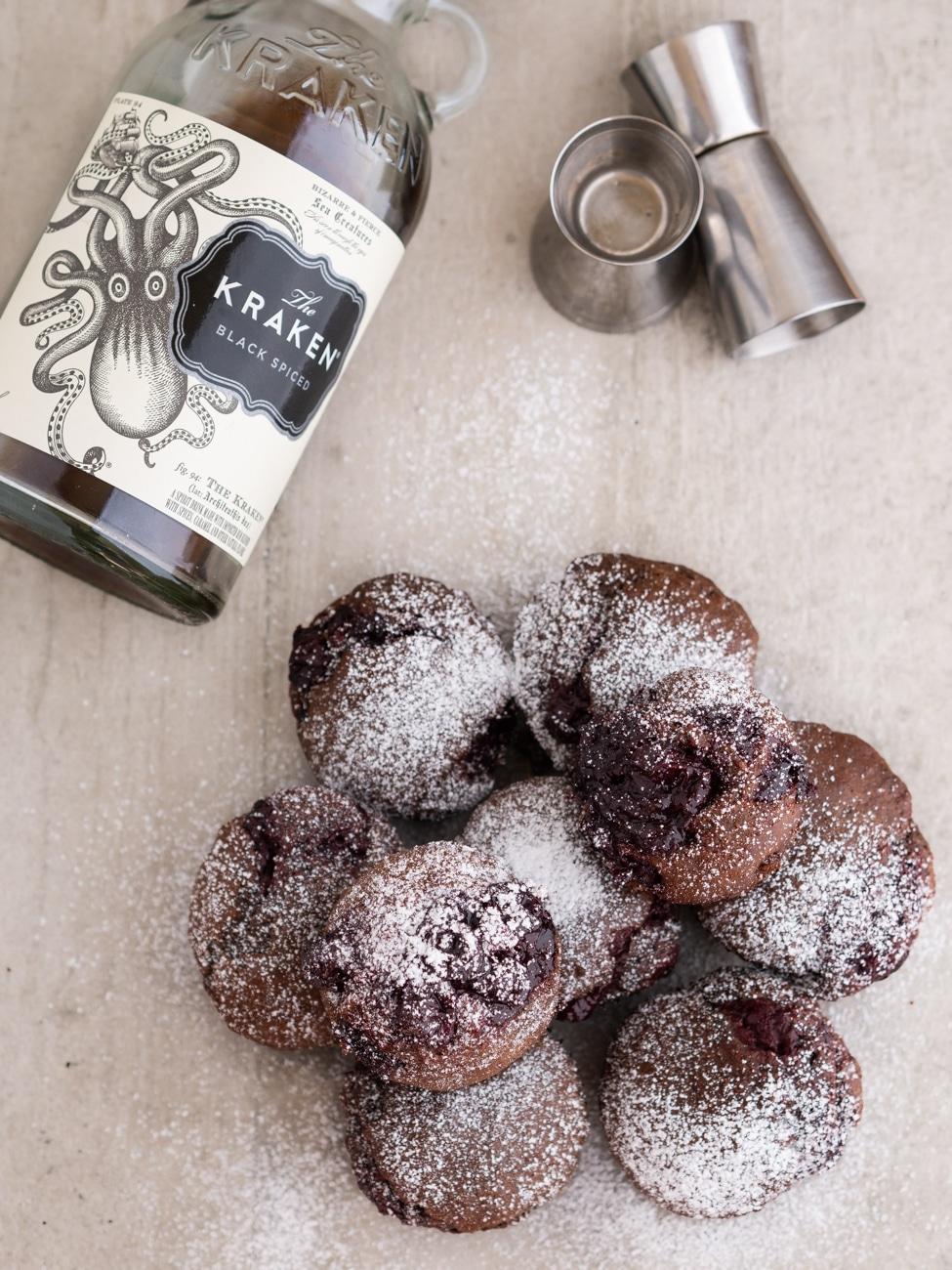 Przepis na Babeczki kakaowe z rumem i wiśniami