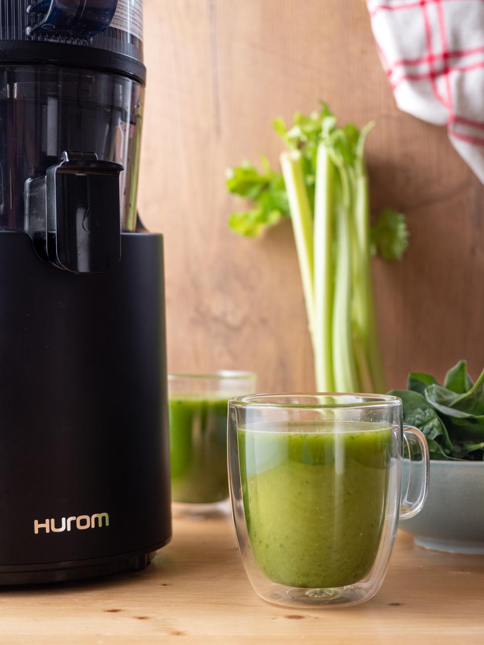 Orzeźwiający i ZDROWY zielony sok z wyciskarki wolnoobrotowej