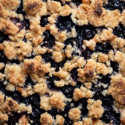 Jak zrobić kruszonkę do ciasta? Prosty przepis na kruszonkę - wegańska kruszonka